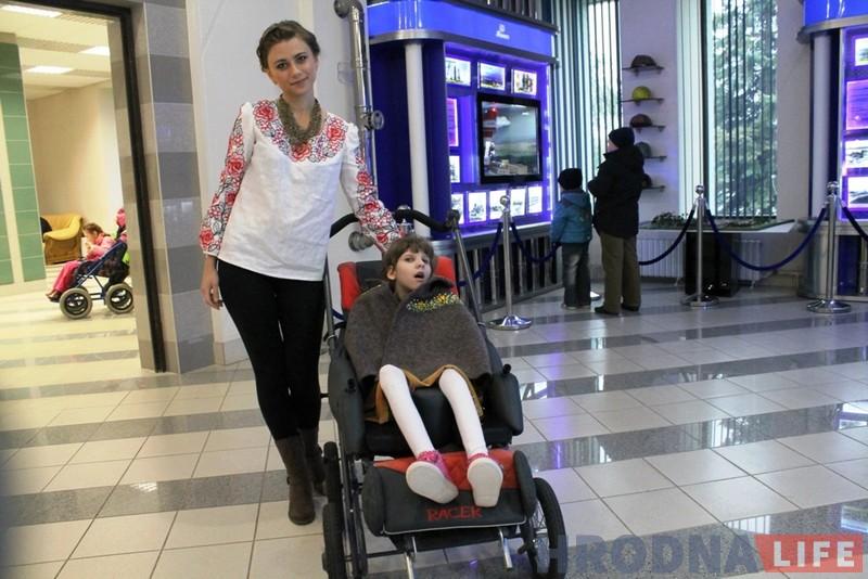 Мама Таццяна з дачкой Карынай