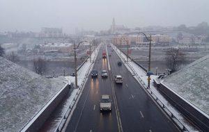 Першы снег у Гродне: ДАI просіць кіроўцаў  і пешаходаў быць уважлівымі на дарогах
