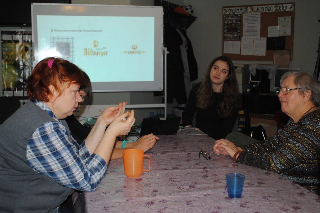 Валанцёрка з Германіі будзе дапамагаць настаўнікам у гродзенскай школе