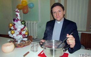 Вучымся гатаваць калядны глінтвейн з пастарам Уладзімірам Татарнікавым