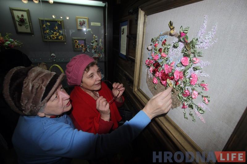 У музеі Гарадніцы паказваюць выставу лапікавага шыцця