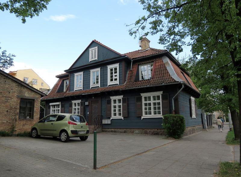 Адрэстаўраваны драўляны дом у Вільні. (фота varandej)
