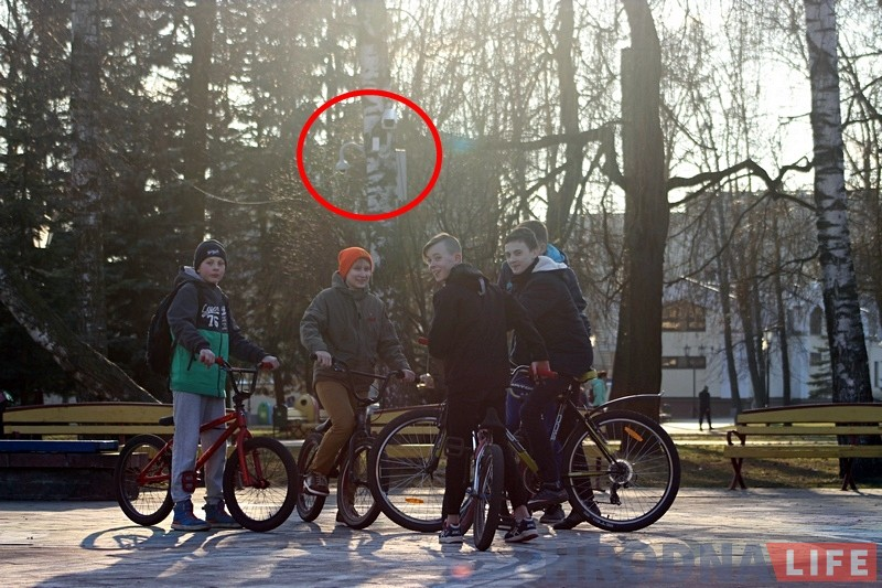 В парке Жилибера накануне Марша нетунеядцев устанавливают камеры видеонаблюдения