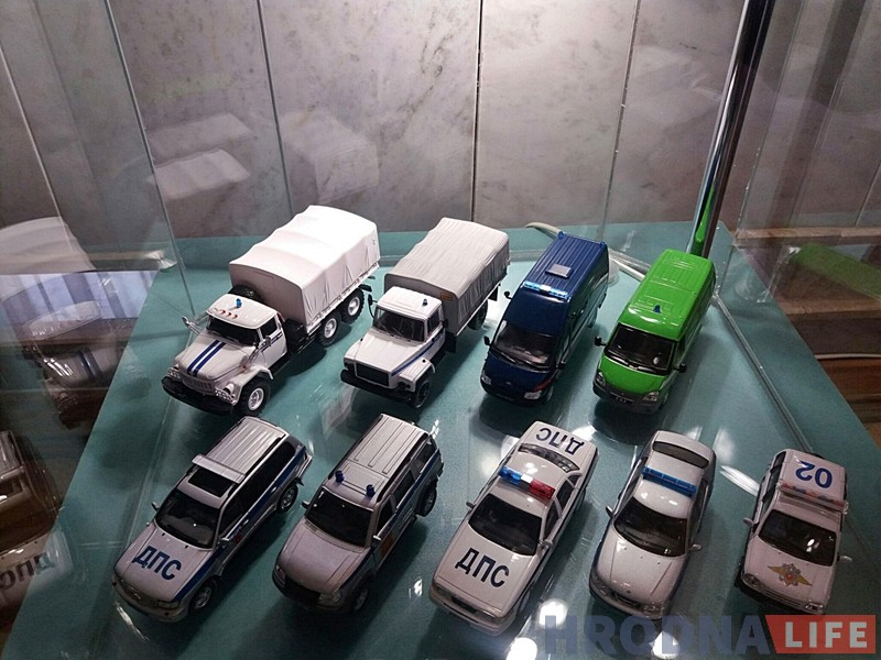 Гродненец показал в драмтеатре коллекцию милицейских машин, которой нет аналогов в Беларуси
