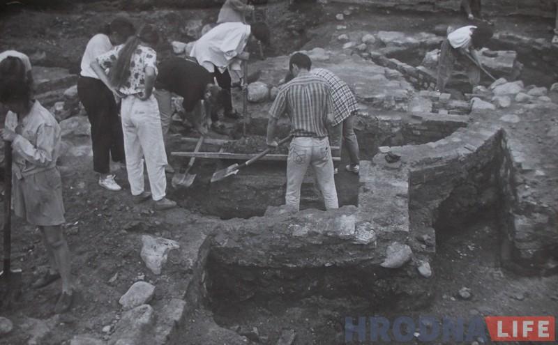Пачатак раскопак Фары Вітаўта. Пачатак 1990-х гг.