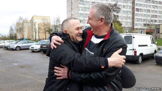 Саляніка сустракае сябра па партыі АГП Ежы Грыгенча