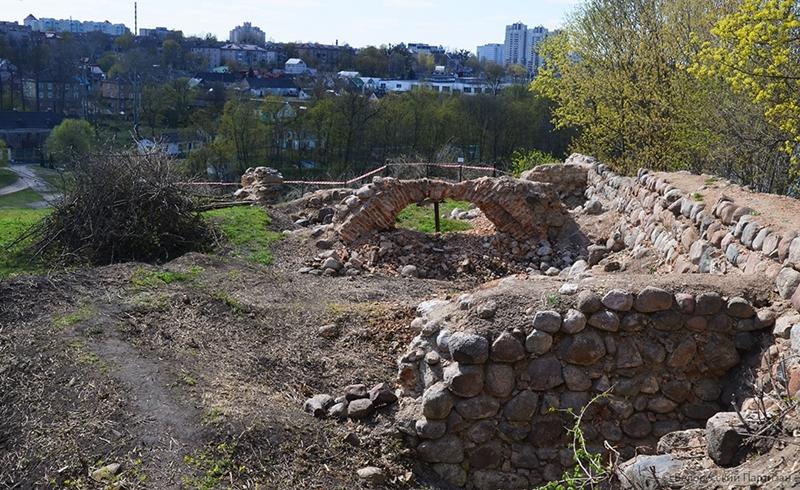 На тэрыторыі Старога замка разбурылася апошняя арка старых казематаў