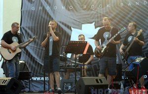 У цэнтры Гродна выступіў гурт RBT: хлопцы без музычнай адукацыі, але з вялікім энтузіязмам