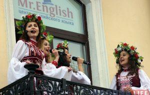Песнямі на балконе і карагодамі на Савецкай гродзенцаў запрасілі на Купалле