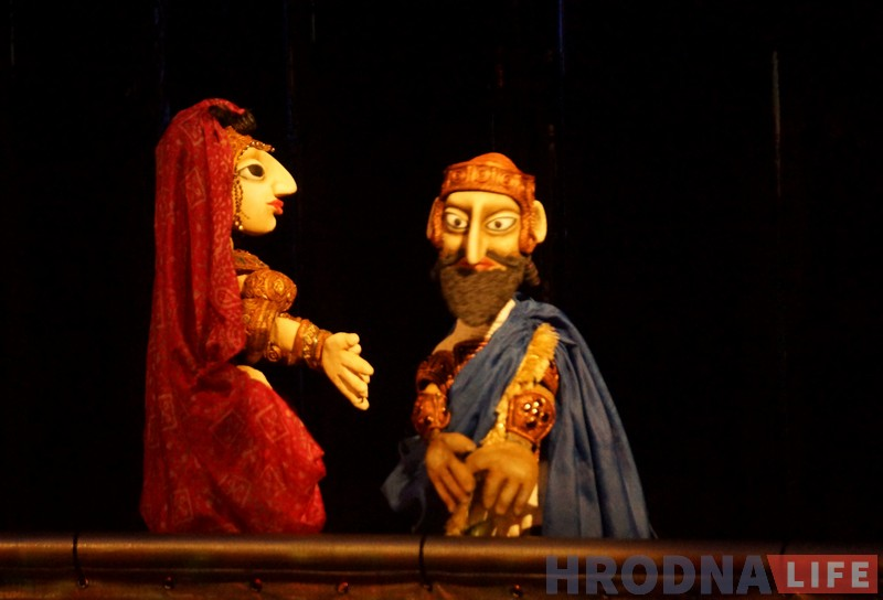 """""""Сюр мае быць сюрам"""". Мастачка расказала пра смешных лялек з нясмешнай """"Камедыі Юдзіфі"""""""