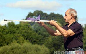 Ёсць фанаты і ў эпоху дронаў: хто ў Гродне працягвае развіваць авіямадэльны спорт