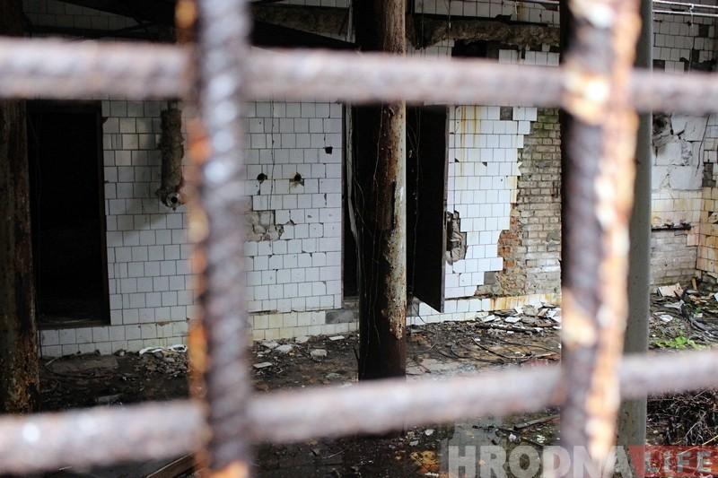 У Гродне пачалі расчышчаць дах закінутага піўзавода. Далей яго будуць ахоўваць кругласутачна