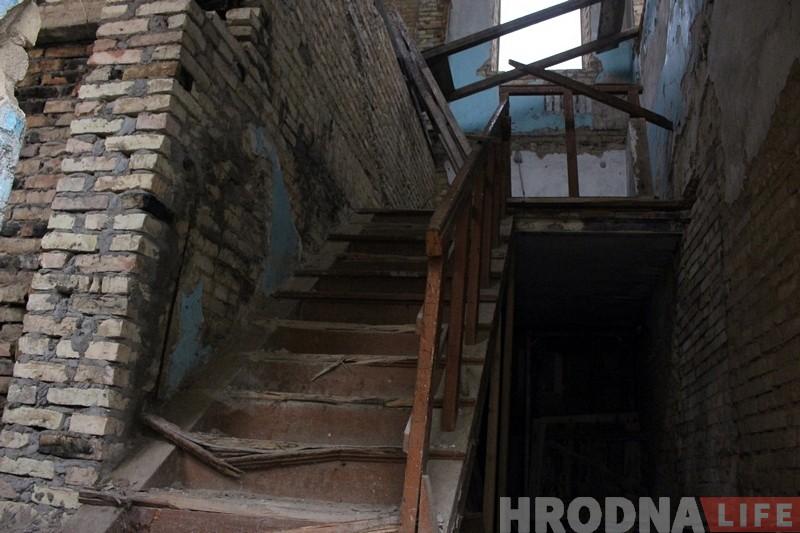 На Вялікай Траецкай аднавіліся працы па рэканструкцыі старога будынка. Там можа з'явіцца гатэль