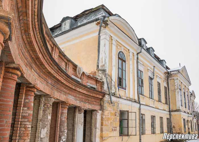 Фота: як працягваецца рэканструкцыя палаца ў Свяцку