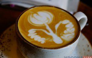 Рождественский латте-арт батл: гродненский бариста рисовал по кофе лучше всех