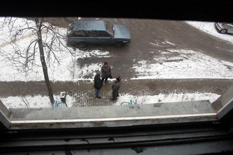 """Дзіўнае здарэнне """"у Юры"""": на Урублеўскага з акна пад'езда выпаў мужчына"""