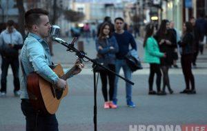 Вулічны музыка з Мінска адыграў для гродзенцаў вялікі канцэрт