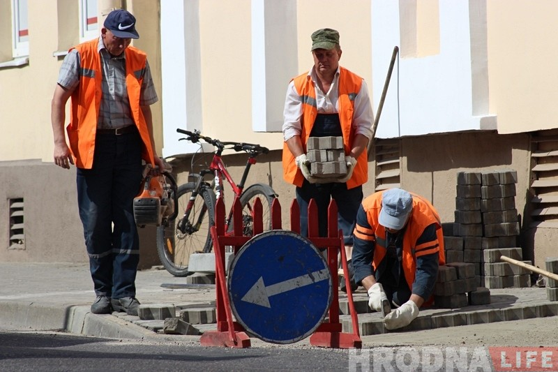 Велосипедистам ездить станет проще: в Гродно активно понижают бордюры