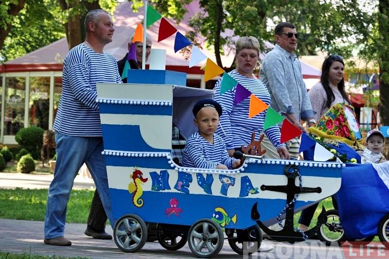 ФОТА: Традыцыйны парад вазкоў прайшоў у Гродне
