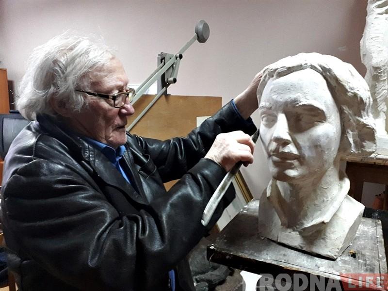 """""""Не толькі камісарам трэба помнікі ставіць"""". Гродзенскі скульптар шукае сродкі на бюст паэту Лейбу Найдусу"""