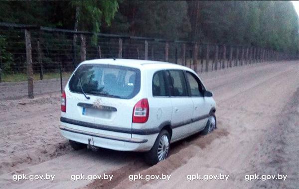 П'яны паляк на Opel прарваўся праз польска-беларускую мяжу
