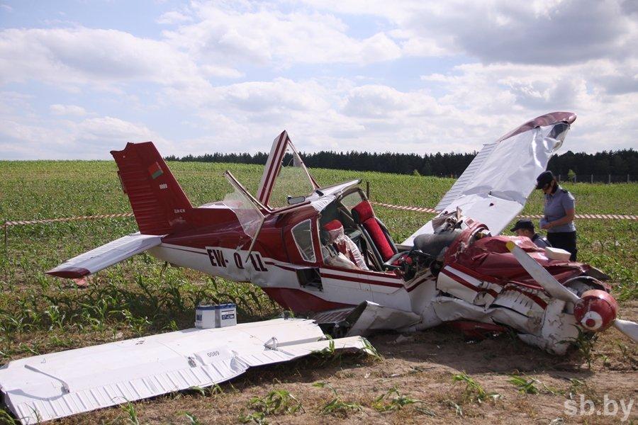 Пілот самалёта, які ўпаў у Каробчыцах, знаходзіцца ў цяжкім стане