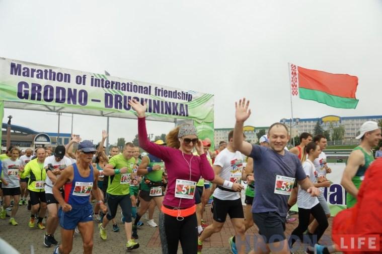 З Друскенік у Гродна прыбягуць больш за 100 спартсменаў. VIII марафон сяброўства фінішуе ў Беларусі