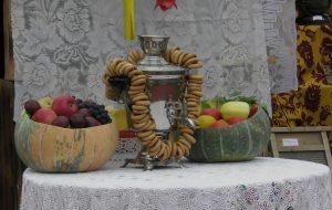 ВІДЭА: Ганненскі кірмаш у Зэльве за адну хвіліну