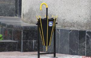 Фотафакт: да дня горада ў Гродне усталёўваюць новыя смеццевыя бакі