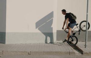 Праблемы не зніклі: гродзенец зняў відэа пра велаінфраструктуру горада
