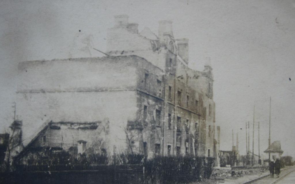 Спалены ў гады вайны будынак