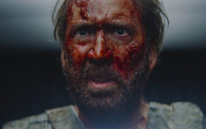 «Мэнди»: Николас Кейдж возвращается в «низкопробном» ужастике, который на самом деле — один из лучших фильмов года