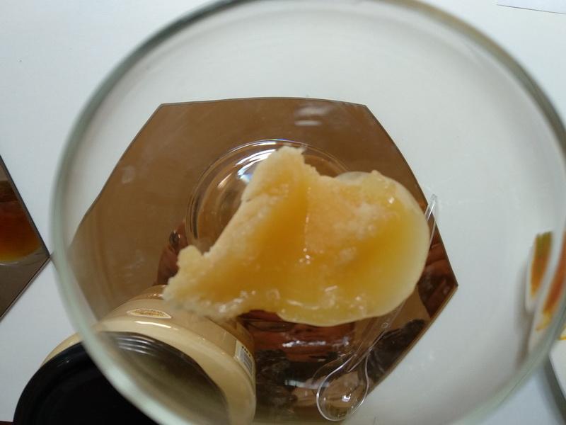 Калі мёд з пахам звараных укрутую яек , гэта нармальна? Парады ад адзінага ў Беларусі мядовага самелье