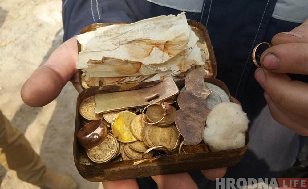 До конца ноября строителю, который нашел клад в центре Гродно, выплатят вознаграждение