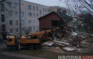 На Свердлова снесли деревянную постройку межвоенного периода