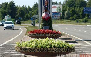 Трехметровая Алеся уже не встречает гостей на М6: ее убрали перед приездом Лукашенко