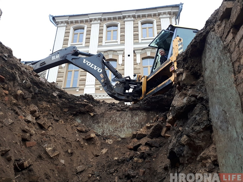 Возле синагоги в Гродно обнаружили фундамент молитвенной школы «Хевре Алших»