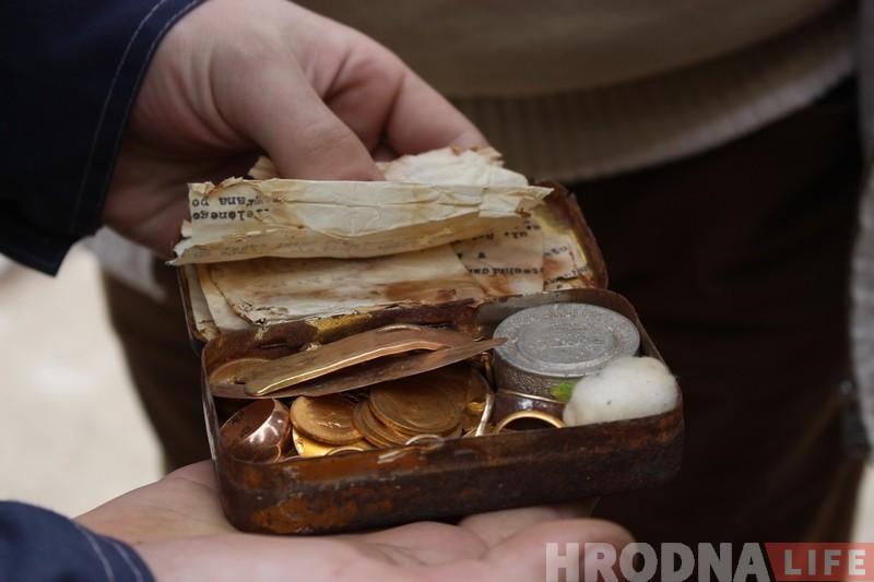 Будаўніку, які знайшоў скарб у цэнтры Гродна, выплацяць узнагароджанне да канца лістапада