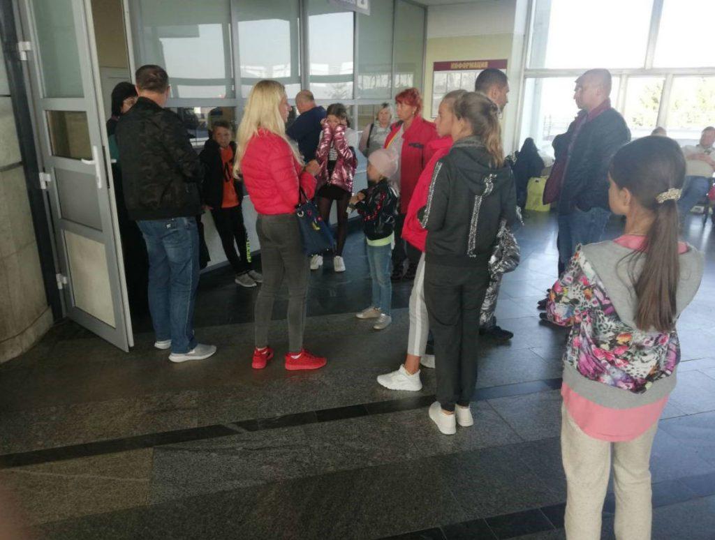Более ста гродненцев, летевших из Египта, застряли в Бресте