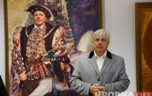 Мастак гродзенскіх герояў і легенд Уладзімір Качан адзначыў 60-годдзе юбілейнай выставай