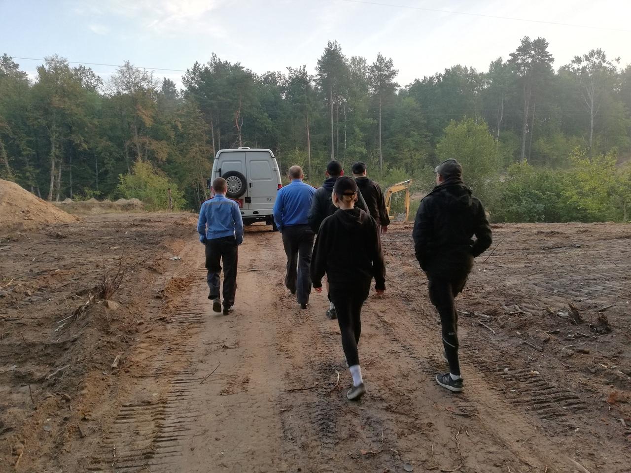 Сябры пайшлі ў лес, а трапілі ў РАУС, дзе іх пратрымалі 10 гадзін
