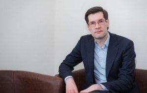 Адвокат Сергей Зикрацкий онлайн расскажет о новых правилах комментирования на сайтах