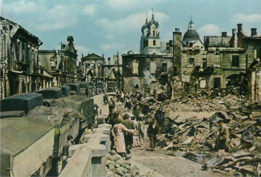 Лета 1941 г. Вул. Мяшчанская. Злева бачна малітоўня.