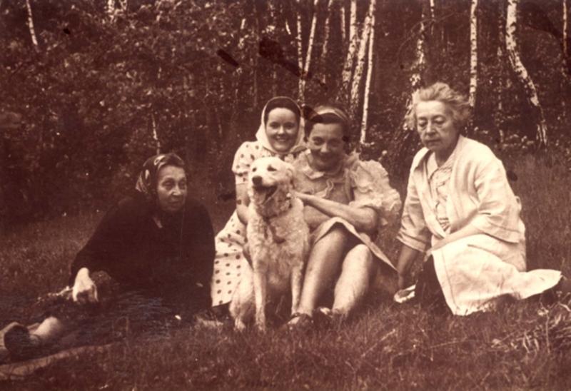 Забытыя гродзенцы: гісторыя жанчыны з сабачкам, якую расстралялі разам з дочкамі