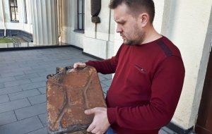 Читатель Hrodna.life передал в музей немецкую канистру времен Второй мировой