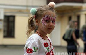 Аналітыка: беларускую мову лічаць роднай 48% насельніцтва, рускую — 43%