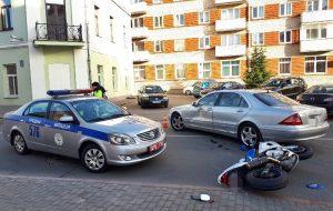 Фотофакт: на Социалистической сбили мотоциклиста