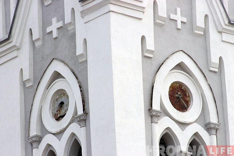 Дзіркі ад куляў у цыферблаце: як рэстаўруюць вежавы гадзіннік лютэранскай кірхі