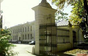 Слухи: Старый замок переедет в Новый, а библиотека КарскоговНацбанк