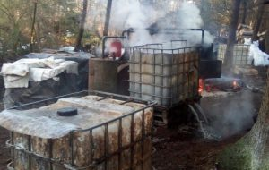 9 тысяч литров браги и 90 литров самогона изъяли в Щучинском районе